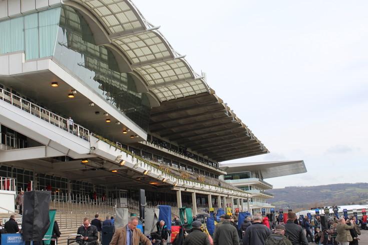 stand at cheltenham racecourse